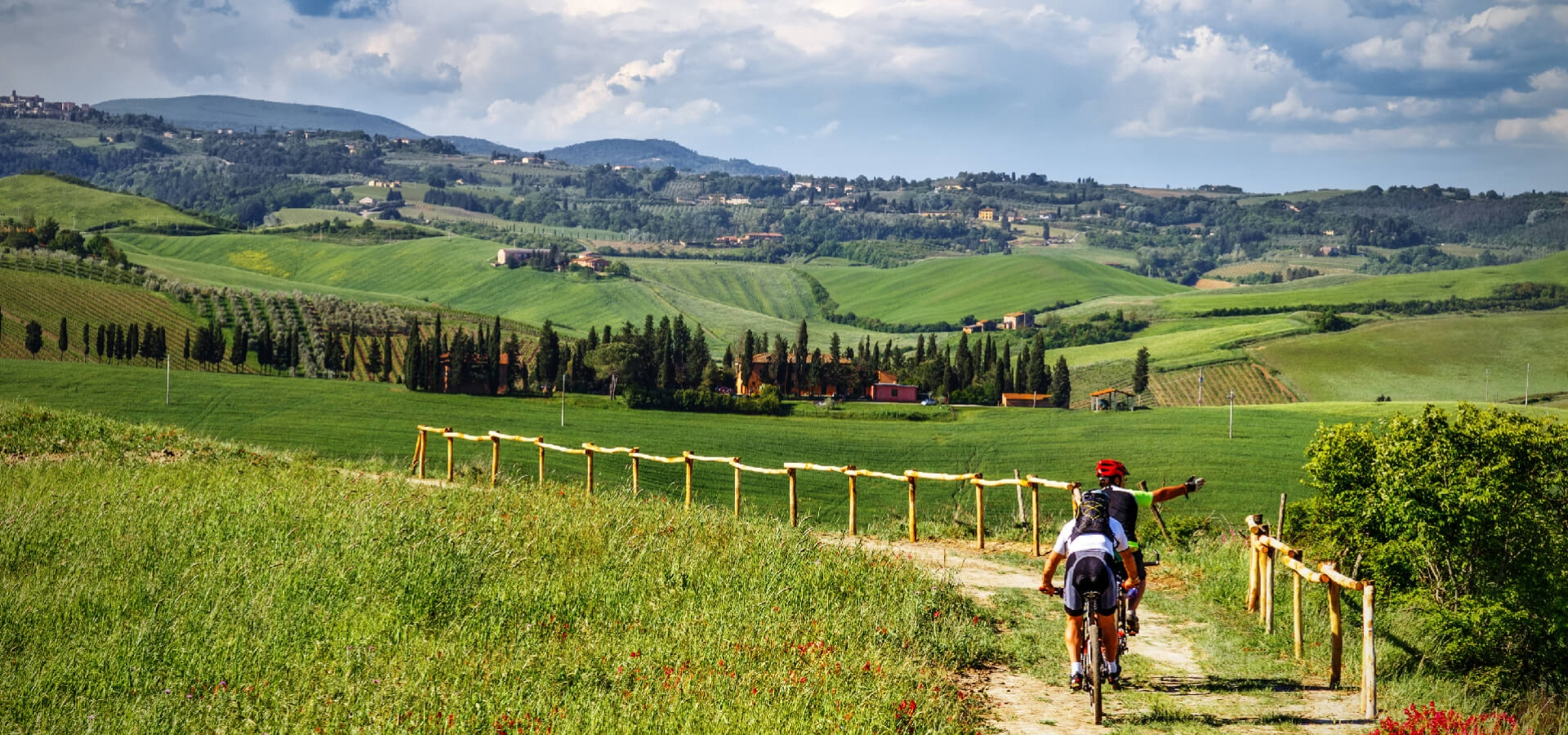<h2>CYCLING TOURISM AND NATURE ITINERARIES</h2><p>Plenty of outdoor activities for nature lovers</p>